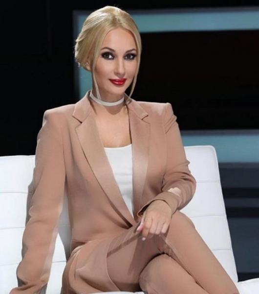 Новая стрижка прибавила Лере Кудрявцевой годы