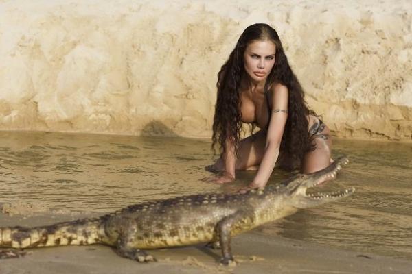 Елена Галицына отважилась на опасную, но невероятно красочную фотосессию