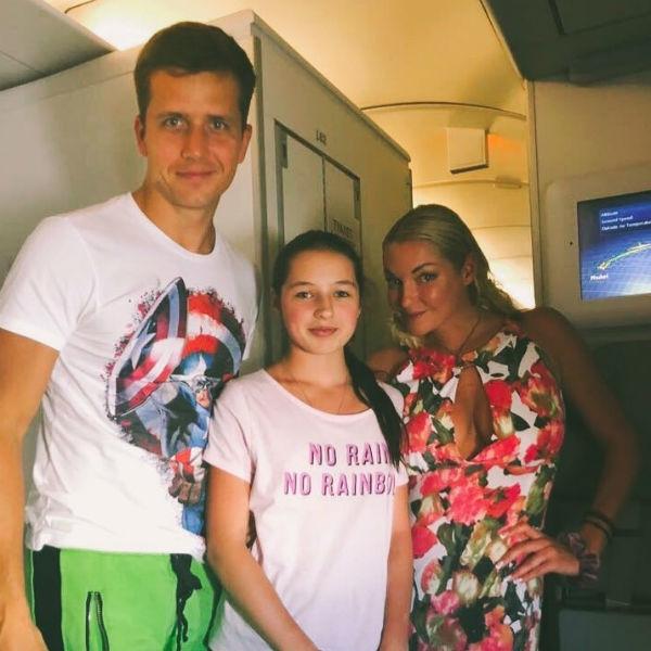 Анастасия Волочкова грозилась выкинуть вещи дочери