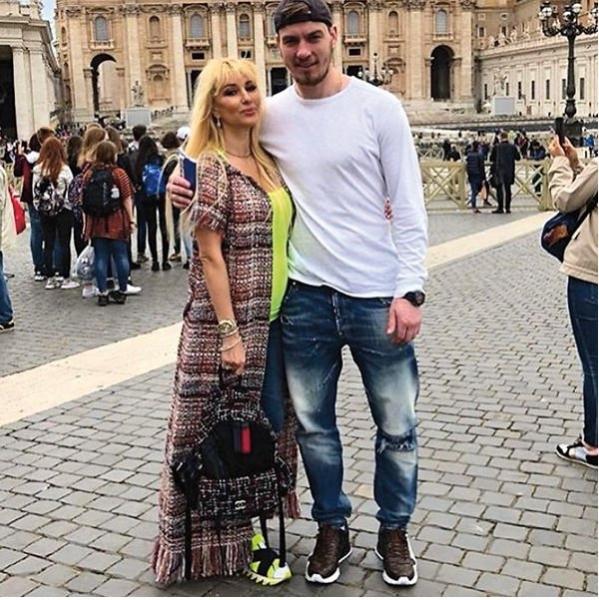 Лера Кудрявцева планирует рожать за границей