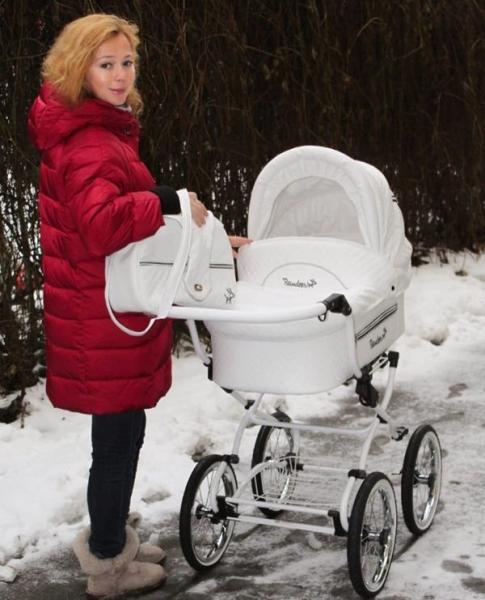 Елена Захарова скучает по дочке, когда отправляется на светские мероприятия