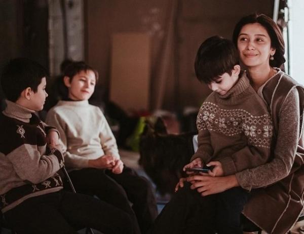 Равшана Куркова неожиданно опубликовала фото своих сыновей