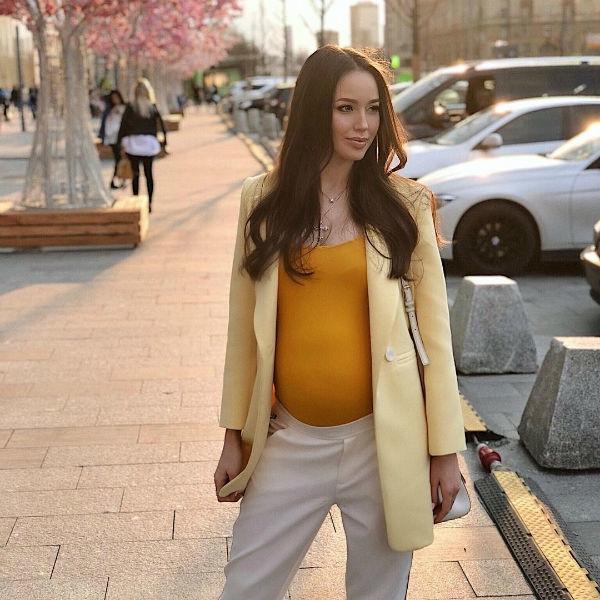 Жену Дмитрия Тарасова раздражает одежда для беременных