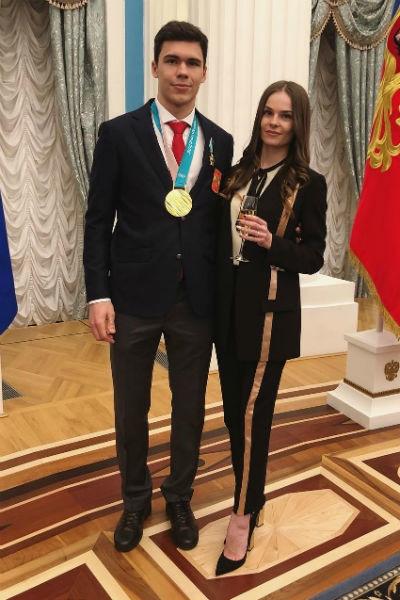 Великолепная пятерка и вратарь: самые завидные женихи российского хоккея