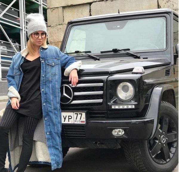 Иван Барзиков присвоил себе деньги с продажи машины экс-девушки
