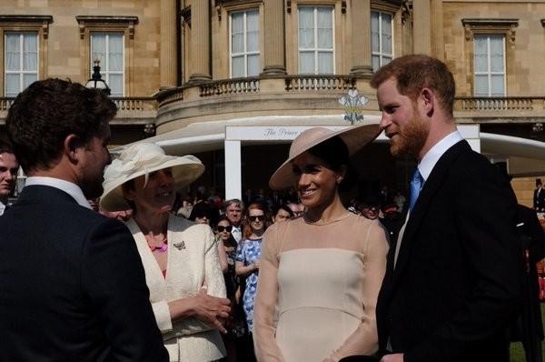 Жена принца Гарри произвела фурор в мировой моде