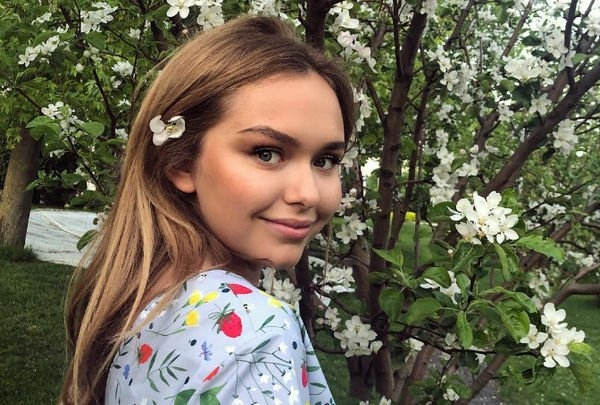 Стефания Маликова опубликовала фото младшего брата