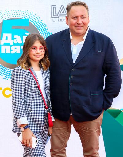 Дмитрий Нагиев высмеял Ольгу Бузову на глазах у коллег