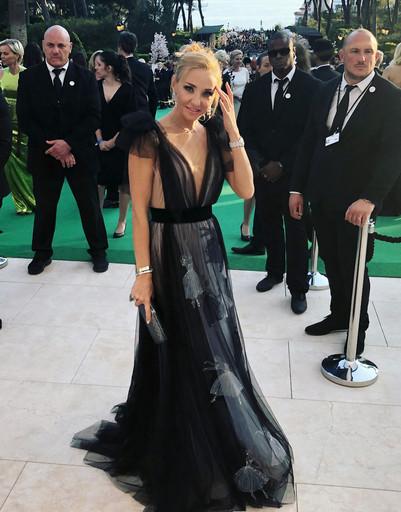 Татьяна Навка в роскошном платье зажгла в Каннах с супермоделями