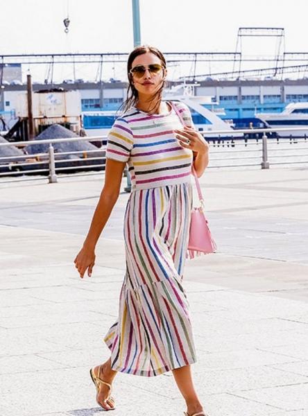 Ирина Шейк выбирает свободные наряды, подогревая слухи о беременности
