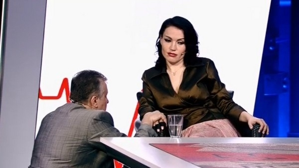 Cкандальная певица и ее муж-олигарх уличили друг друга в изменах