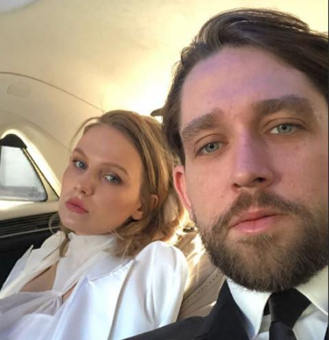 Беременная экс-избранница Табакова вышла замуж