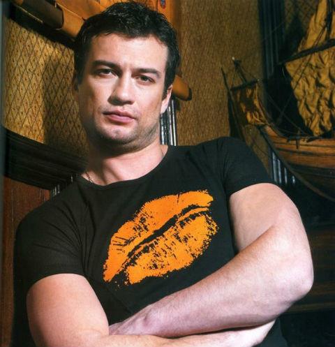 Андрей Чернышов признался в вынужденной разлуке с женой