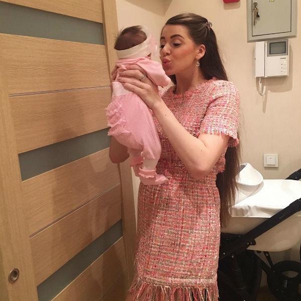 Ольга Рапунцель раскрыла имя новорожденной дочери