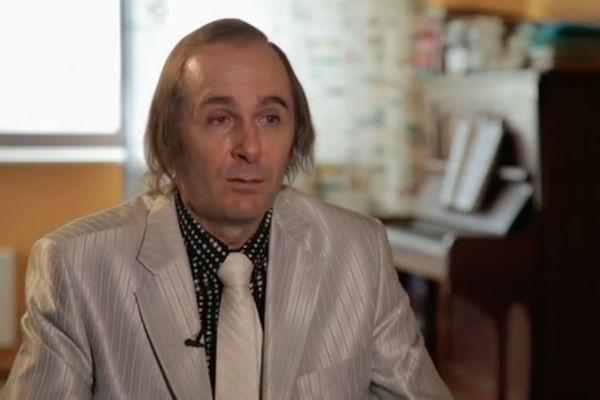 Брат Евгения Мартынова пытается узнать правду о загадочной смерти певца