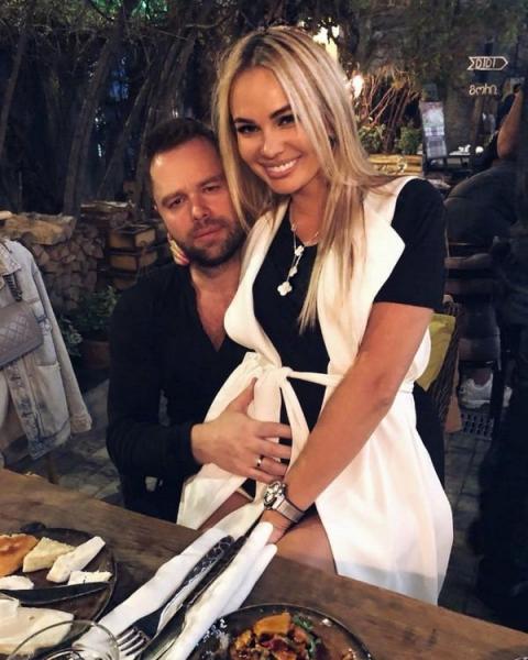 Супруга Виталия Гогунского спровоцировала слухи о беременности