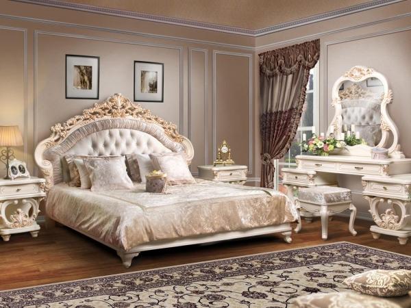 Непозволим вам спать настаром диване!