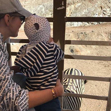 Ксения Собчак выложила в сеть новые фото с сыном на отдыхе