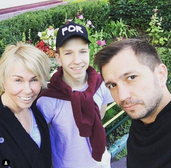 Ксения Стриж прокомментировала новость об усыновлении подростка