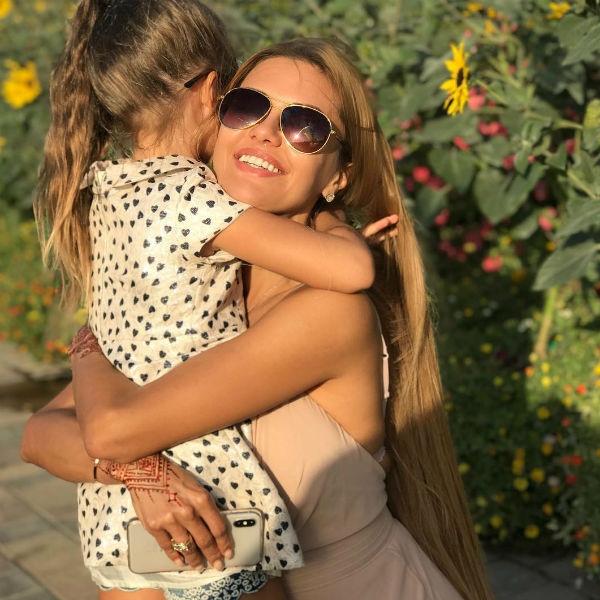 Виктория Боня познакомила нового бойфренда с экс-супругом и его семьей