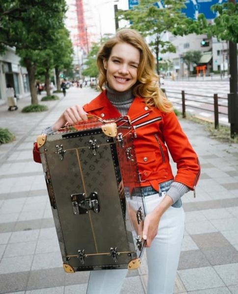 Наталья Водянова показала, как ходит в баню