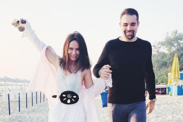 «Он американец»: Саша Зверева рассказала о знакомстве с избранником