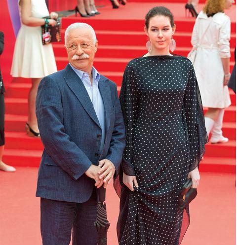 Дочь Леонида Якубовича отказывается от помощи отца