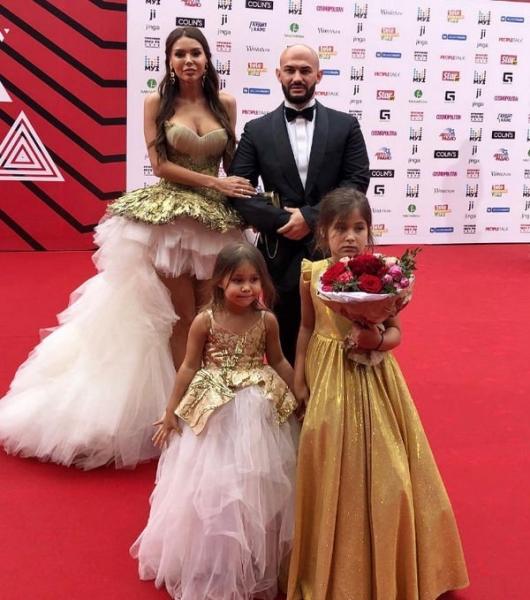 Оксана Самойлова была вынуждена отказаться от подруг ради мужа