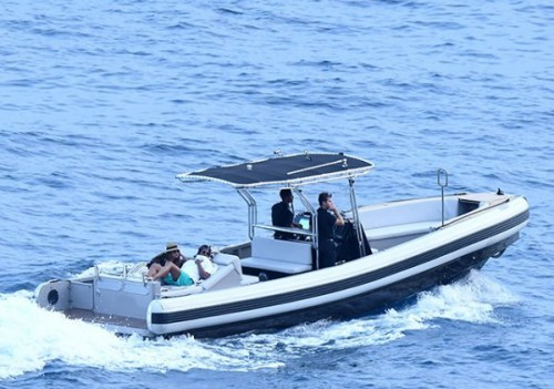 Бейонсе и Джей Зи отдыхают на яхте на фоне слухов о беременности