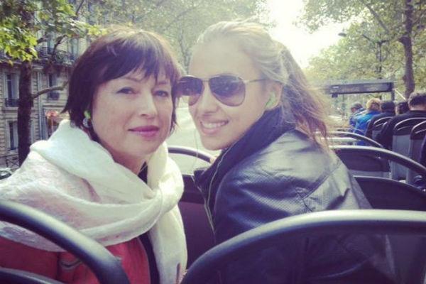Ирина Шейк рассказала об отношениях мамы и Брэдли Купера