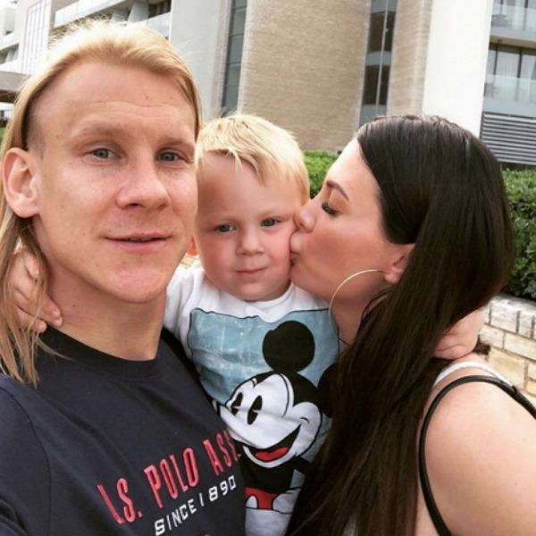 Жену скандального футболиста из Хорватии осудили за чрезмерную пластику
