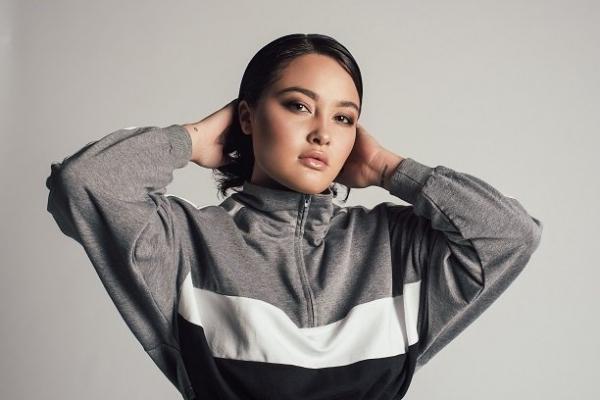 Певица Алина DIKAYA рассказала о своем псевдониме, и почему у неё не осталось подруг