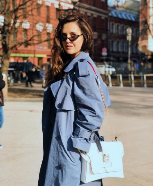 Мария Шумакова знакомится с мужчинами в интернете