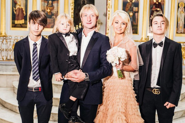Орбакайте, Седокова и Борисова: как звезды делили детей с экс-супругами