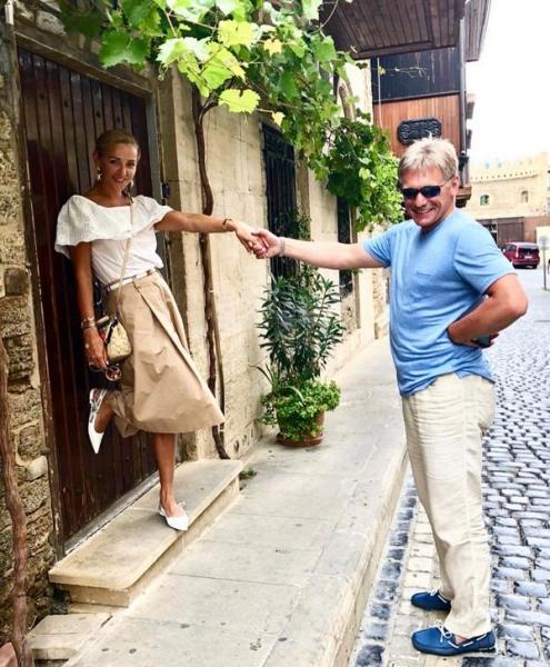 Татьяна Навка наслаждается отдыхом в Баку вместе с Дмитрием Песковым