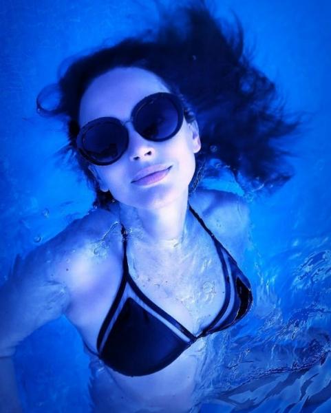 Ирина Безрукова восхитила снимком в купальнике