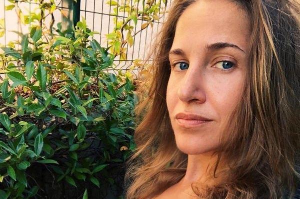 Юлия Ковальчук была жестко раскритикована за снимок без нижнего белья