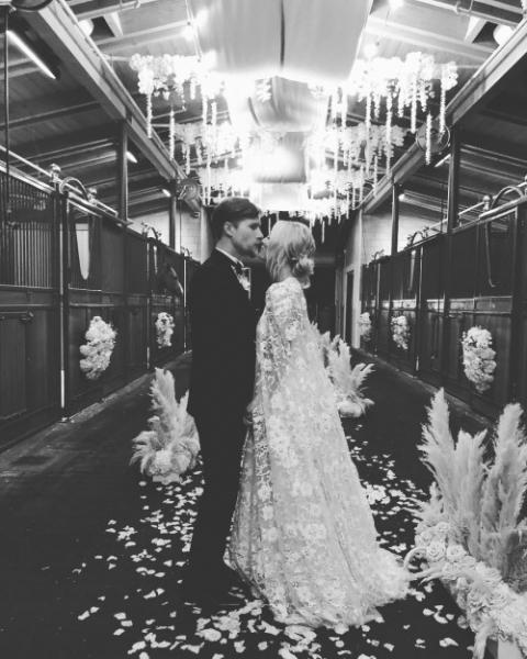 Звезда сериала «Теория большого взрыва» Кейли Куоко и Карл Кук поженились