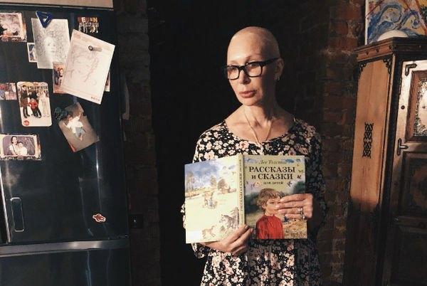 Татьяна Васильева продемонстрировала стройную фигуру в бикини