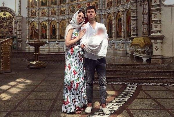 Ольга Рапунцель и Дмитрий Дмитренко провели обряд крещения дочери