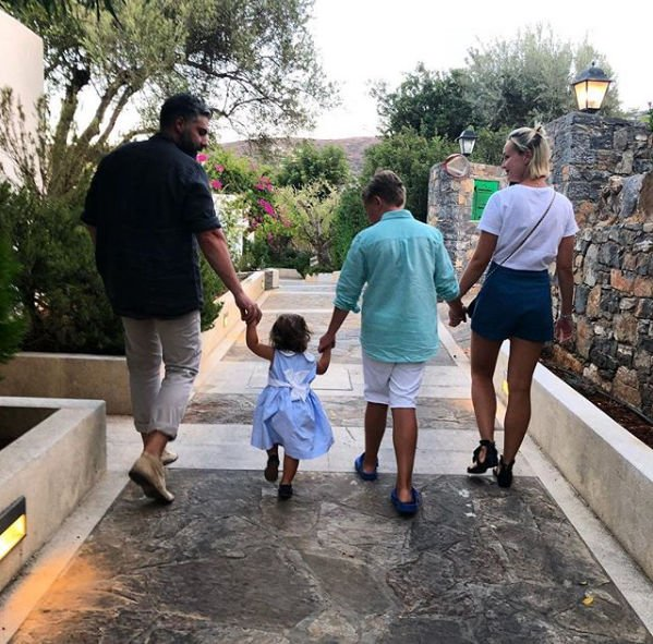 Полина Гагарина рассказала о том, как прошел отпуск в Греции