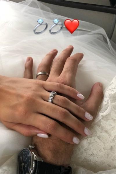 Футболист «Локомотива» женился на участнице «Евровидения-2018»