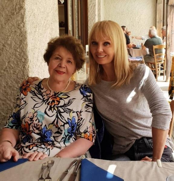 Мама Валерии заметно похудела благодаря ее диете