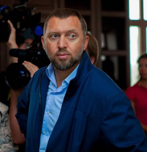 Олигарх Дерипаска отсудил миллион у секс-тренера Лесли и его подопечной