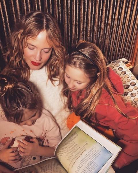 Наташа Ионова разместила редкий снимок старшей дочери