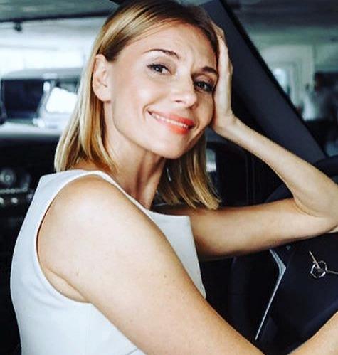 Любовь Толкалина купила машину за миллион рублей
