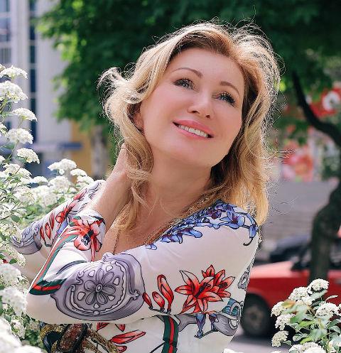 54-летняя Вика Цыганова хочет стать участницей «ДОМа-2»