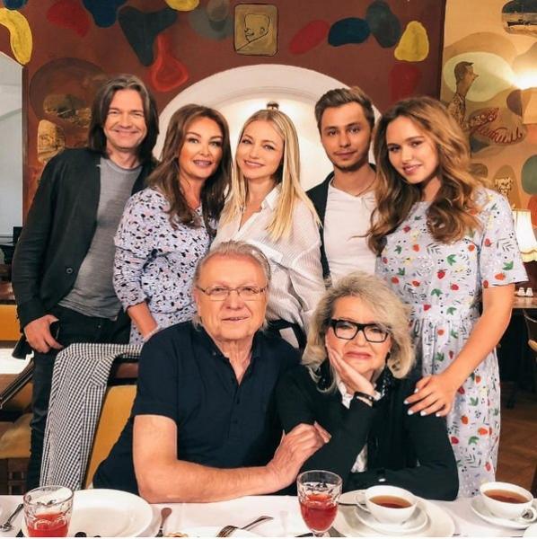 Инна Маликова поделилась редким семейным снимком