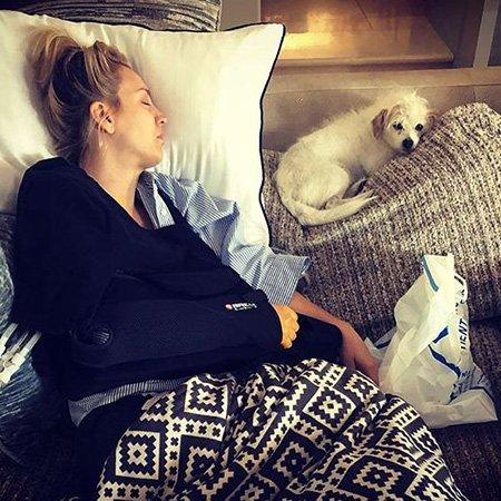 Кейли Куоко госпитализировали посреди медового месяца