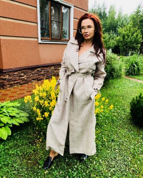 Эвелина Бледанс пришла в ярость из-за неверия поклонников в историю о погибшей дочери